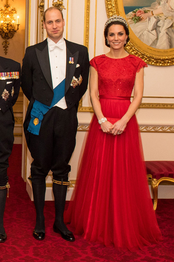 d33cfae77c56 Kate Middleton s Most Memorable Outfits - Page 4 of 29 - Worldemand